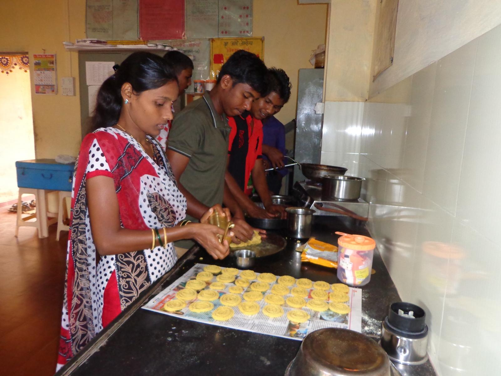 Chakali Making